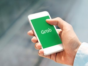 Grab and Singtel partner up for full digital bank license in Singapore