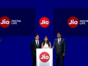 With an eye on Flipkart and Amazon, Asia's richest man enters Indian e-commerce with online grocery platform 'Jiomart'