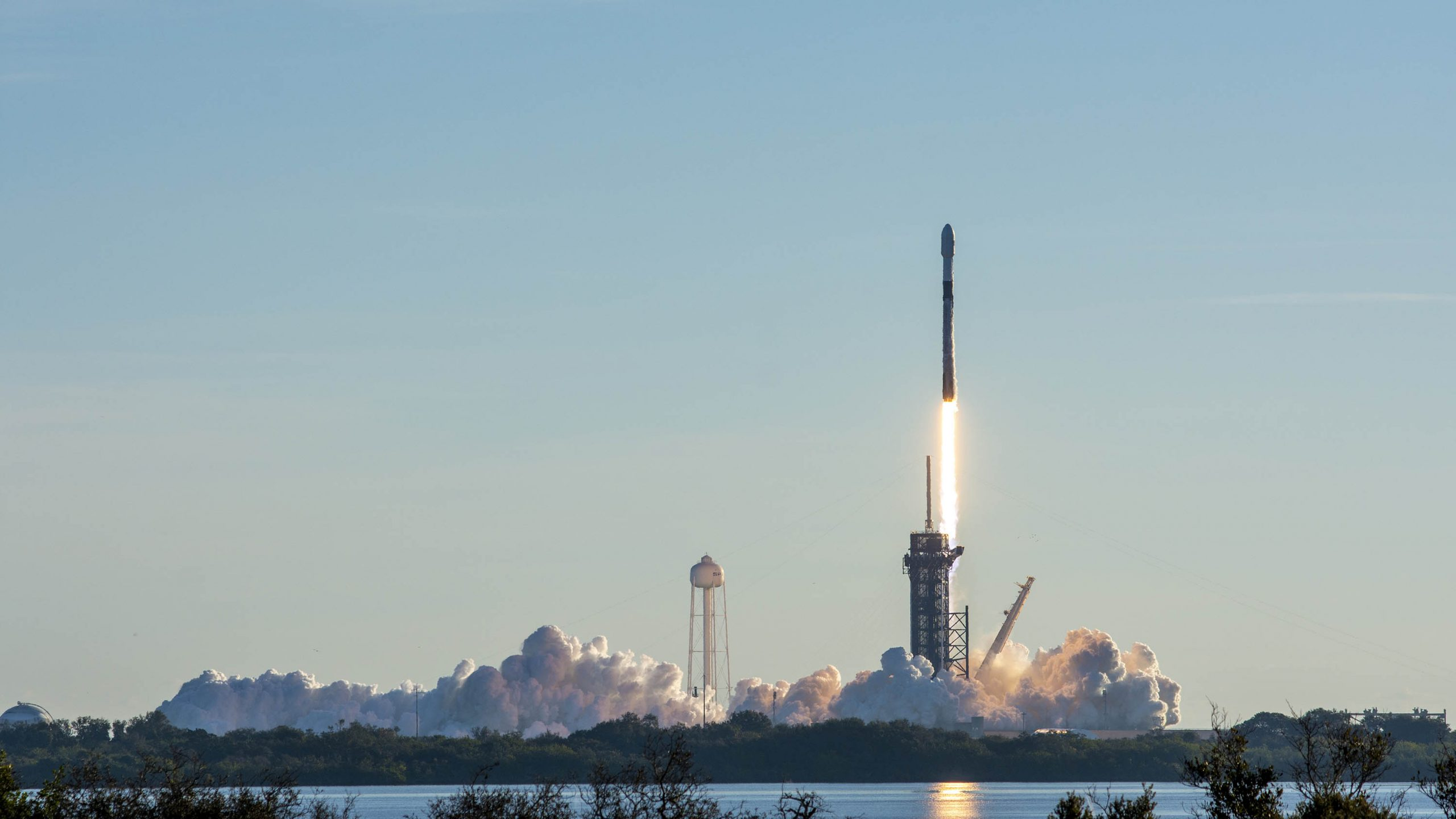 SpaceX Lifted 60 More Satellites - First 2021 Launch | IE